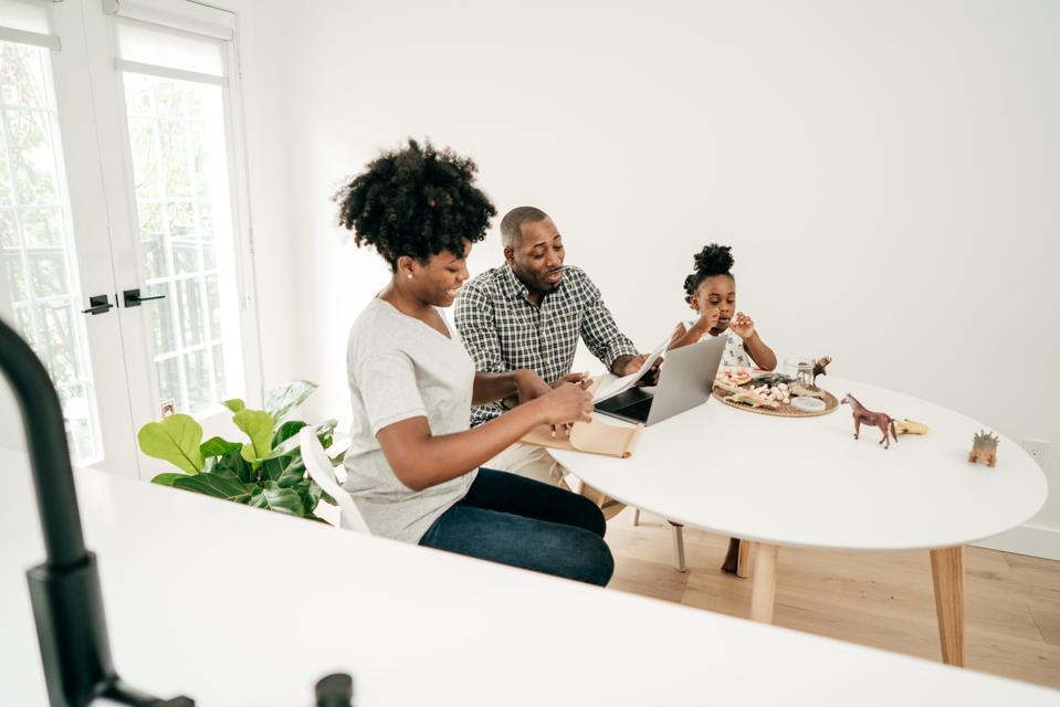4 Ways To Improve Your Work-Life Balance