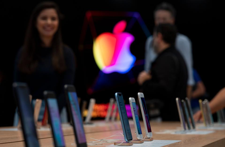 Apple Loop: New iPhone 12 Leaks, Serious iPhone 11 Problems, How Apple Betrayed MacBook Pro