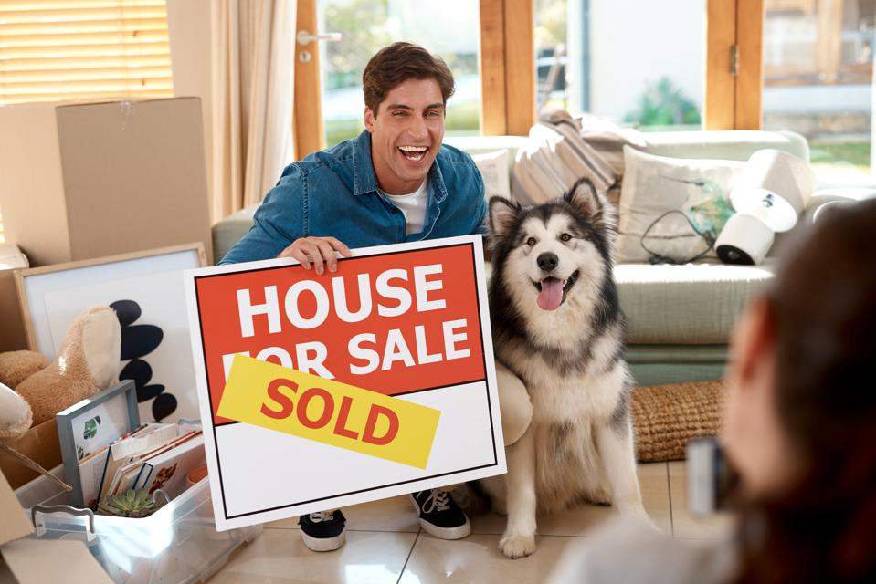 """The Surprising Way Real Estate Agents Are Adapting To """"iBuyers"""" Buying Houses Directly From Sellers"""