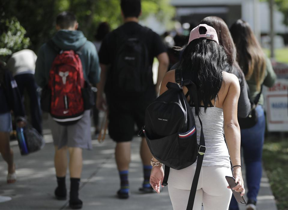 More Than Half Of Online College Students May Be In Inferior Schools, Programs