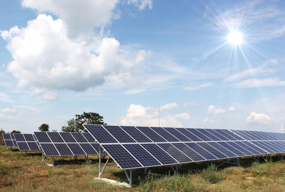 What The Electric Vehicle Industry Could Learn From Solar Energy