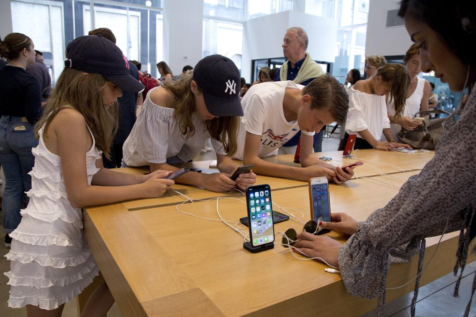 Apple's Retail Fumble: A Lesson For All CEOs