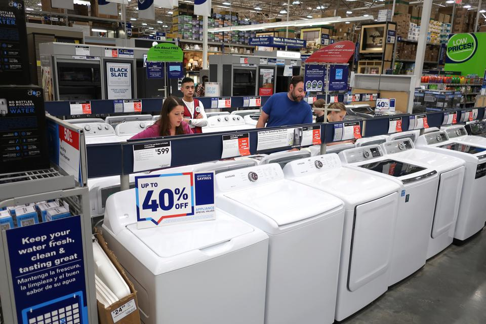 Lowe's Revenue Beats Consensus, Growth On Track For FY 2019?