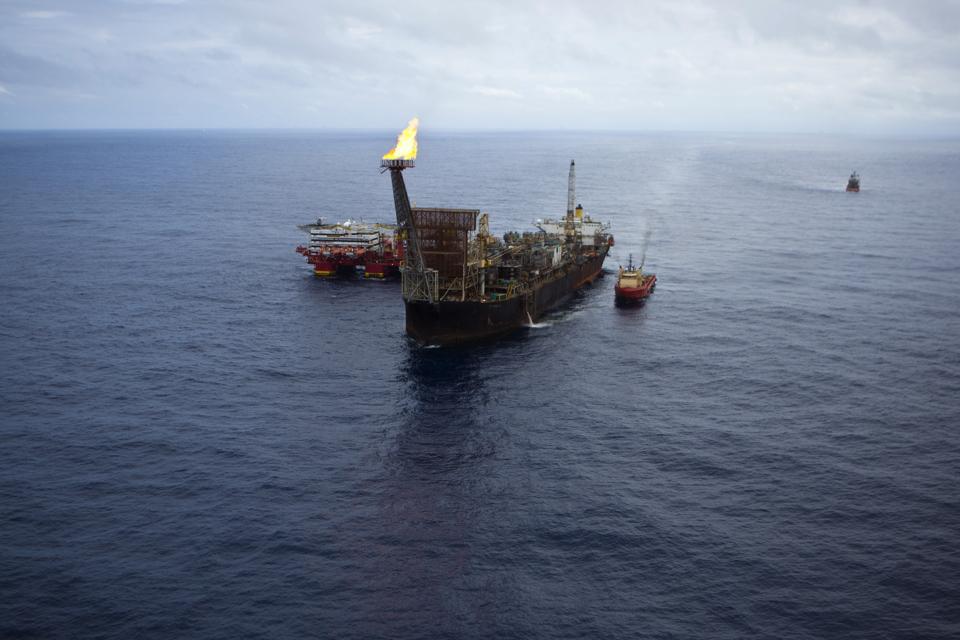 Brazil Raises Over $2 Billion From Ten Oil Majors In Exploration Rights Auction