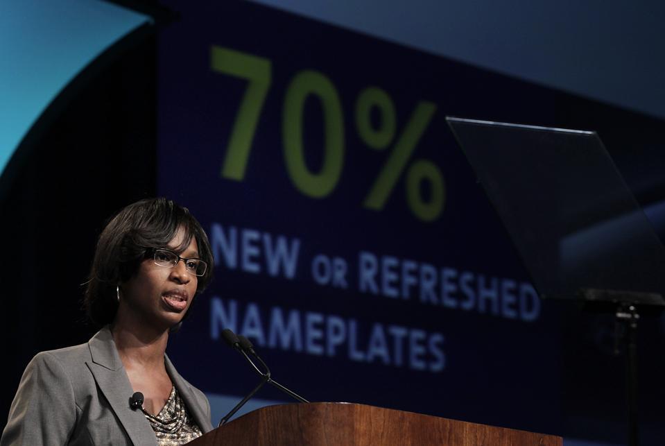 GM's Boler-Davis May Go To Amazon As Tech Giants Seek Manufacturing Talent