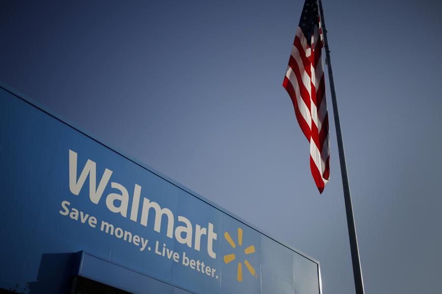 Solid Walmart Results Keep Retail Parade Marching, But Bond Yields In Focus