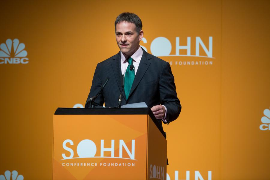 Hedge Funder David Einhorn, Down Over 18%, Retests Athenahealth Short Despite Buyout Bid