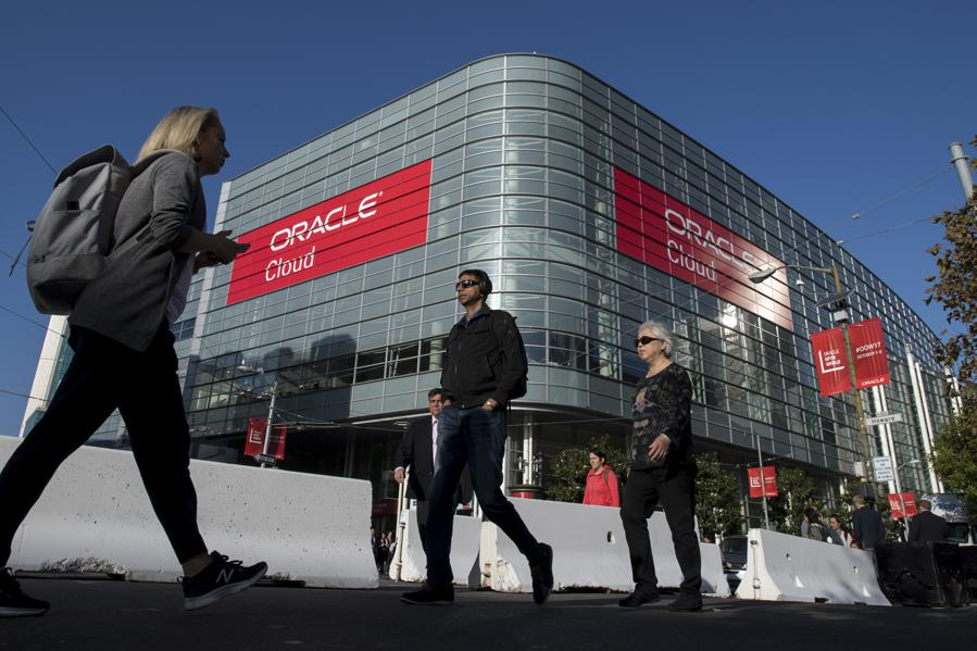 Oracle: The Leopard Is Finally Changing Its Spots