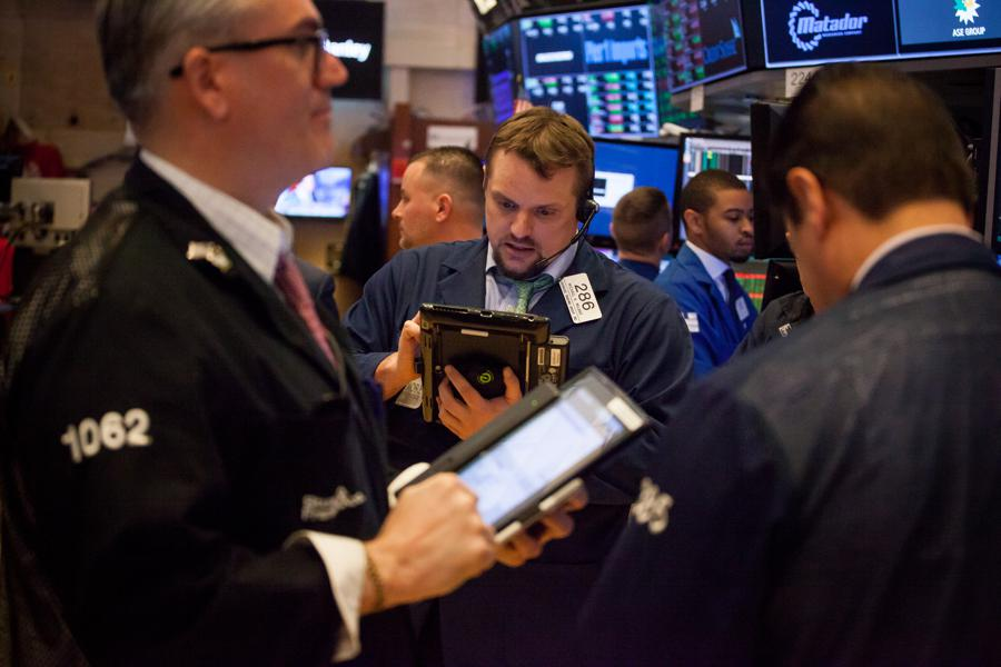 Stock Futures Rise On Treasury Yield Pause, Some Strong Earnings