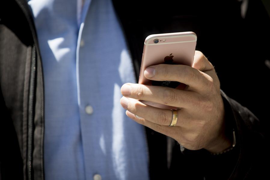 Apple: The $1 Trillion Company's Future In Fintech