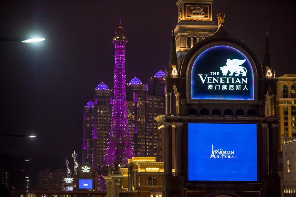 What Is Driving Our $64 Price Estimate For Las Vegas Sands?
