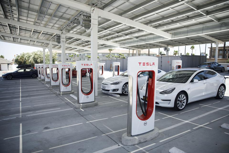 Economics of Electric Vehicles Mean Oil's Days As A Transport Fuel Are Numbered