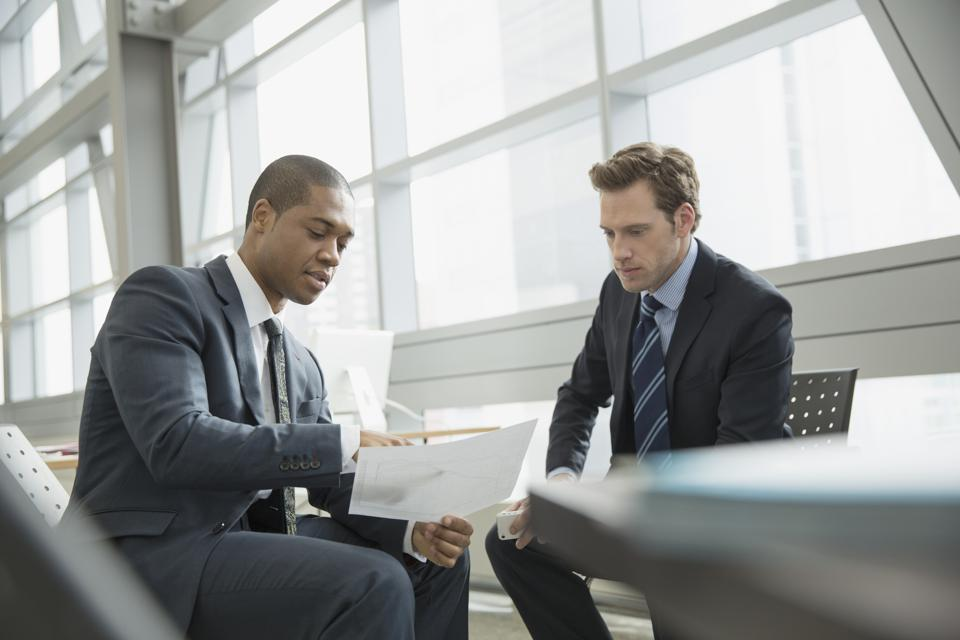 How To Lead Those Who've Just Entered The Corporate World