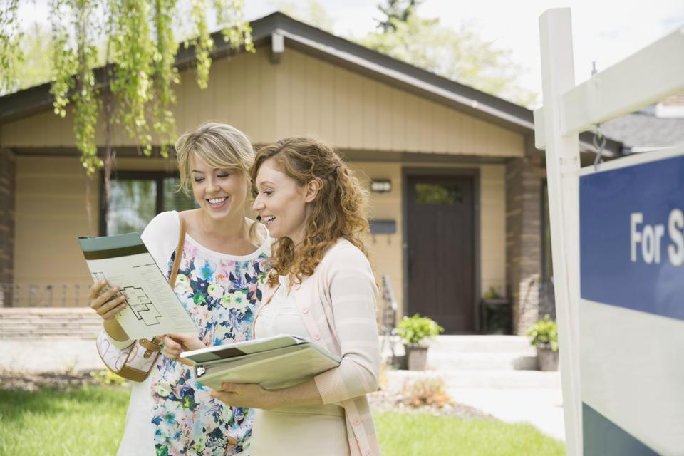 Four Characteristics Of An Up-And-Coming Neighborhood (And Why You Should Buy Your Next Home There)
