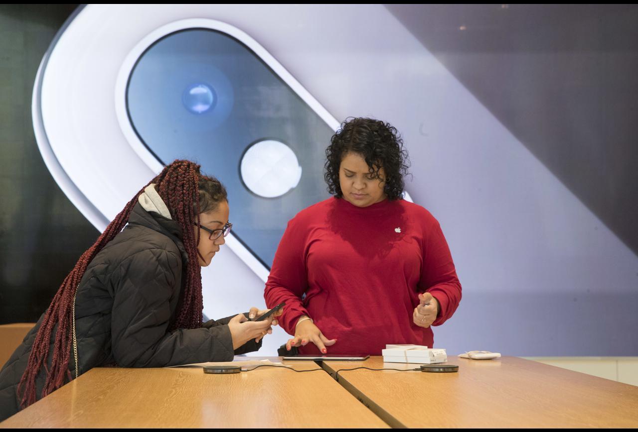 Apple Begins To Look Like Microsoft
