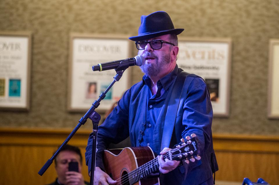 Who I Am: Dave Stewart On 'Songland,' Eurythmics, George Harrison And More