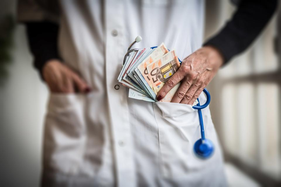 Half Of U.S. Doctors Have Pay Tied To 'Value-Based Metrics'