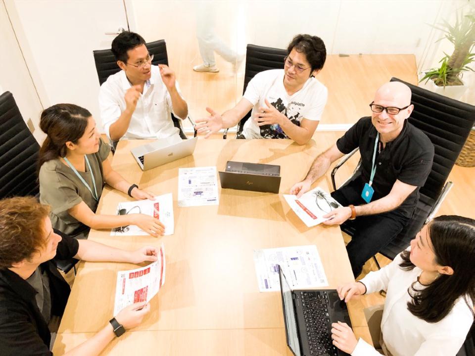 Meetings at Cinnamon AI's Tokyo headquarters