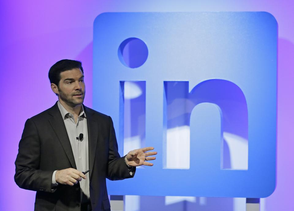 10 Real Branding Lessons I Learned After Creating 500 Daily LinkedIn Videos
