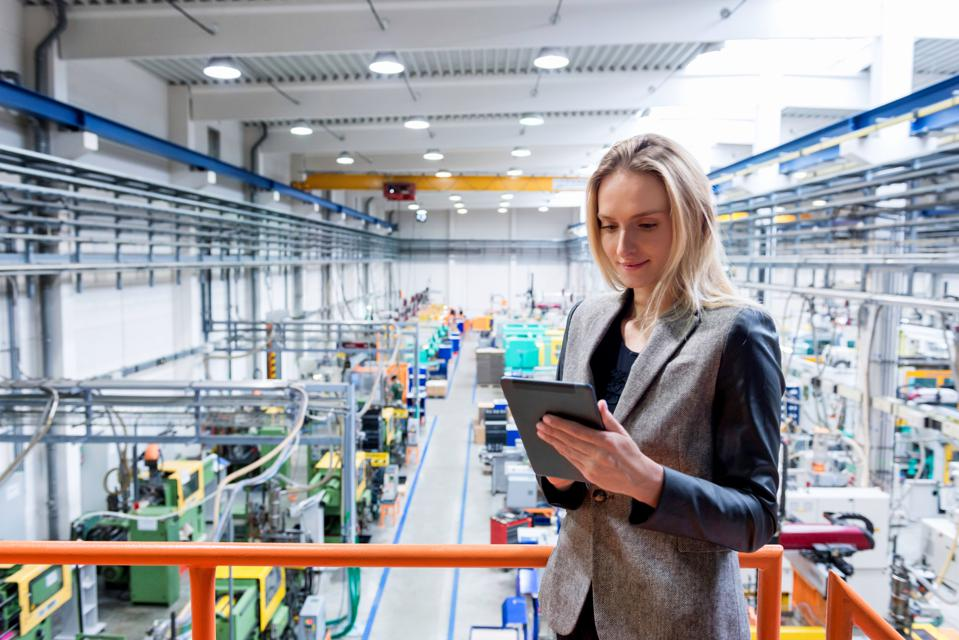Choosing Technology To Avoid Operational Setbacks For Front-Line And Industrial Workers