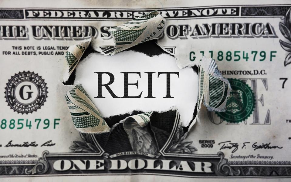 4 High-Yielding REITs Worth Buying