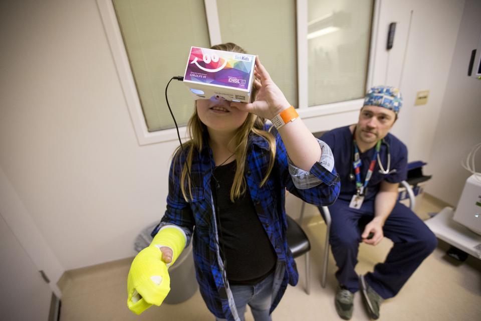 Virtual Reality  - Magazine cover
