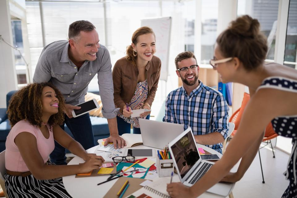 6 Signs Of An Emotionally Intelligent Team