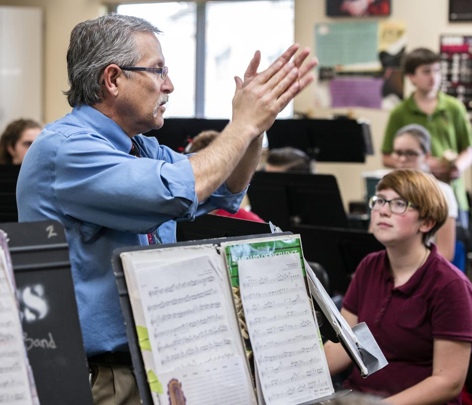 High School Students Do Better In Science, Math And English If They Also Take Music Lessons