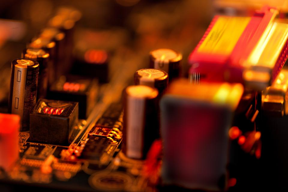 Researchers Developed A Material To Turn The Heat Your Electronics Generate Into Electricity