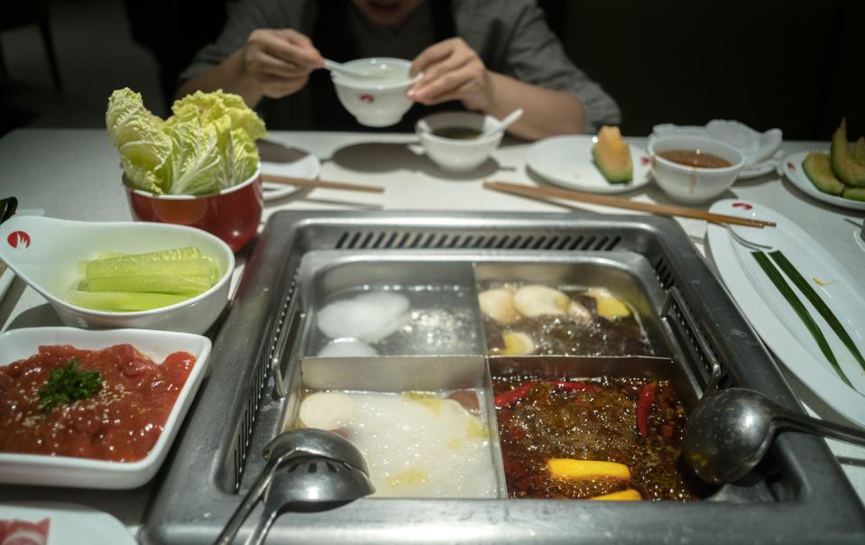 Beijing's First Restaurant With Fully Automated Kitchen Opens