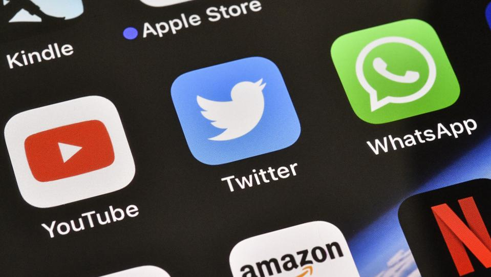 Hackers Hijack Twitter Accounts Using A Simple Text Messaging Trick