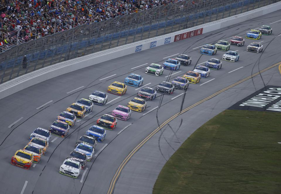 why 30 races not 36 could help nascar get back into gear. Black Bedroom Furniture Sets. Home Design Ideas
