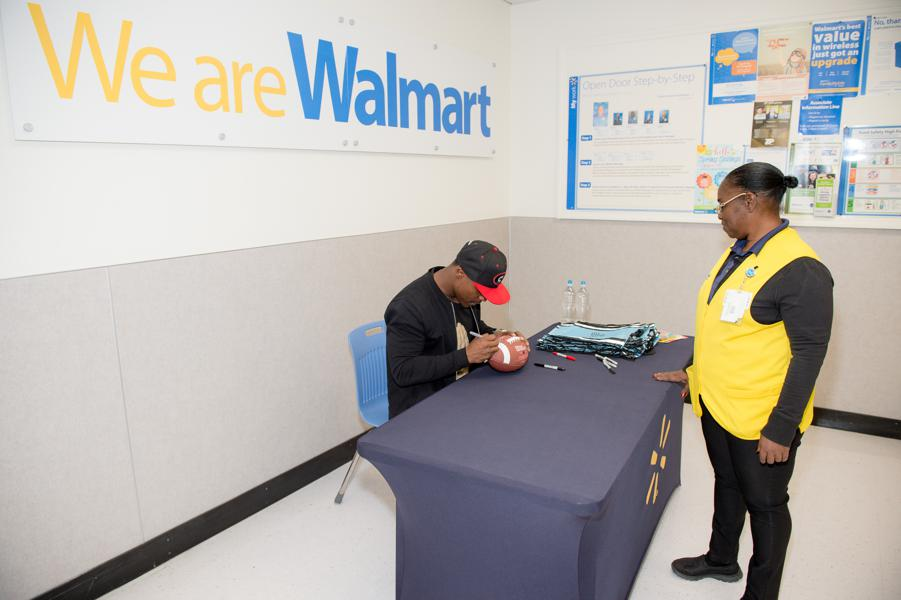 Walmart Is Turning The Tables Against Amazon