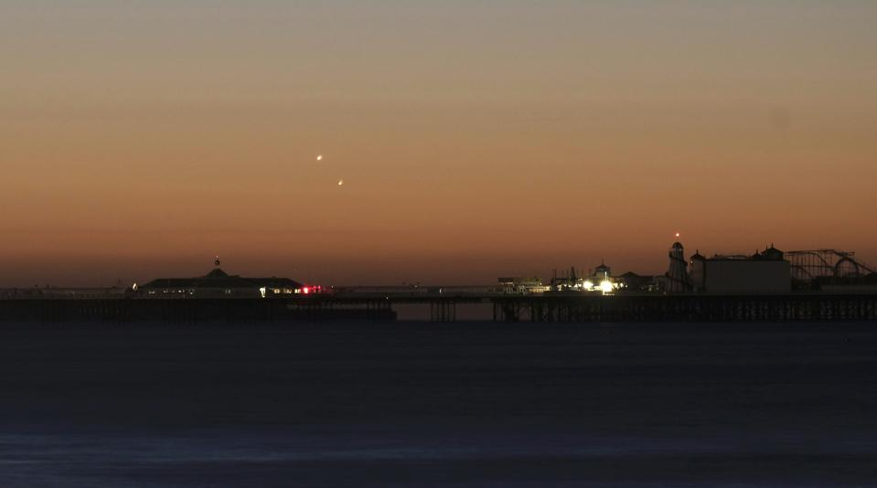 Exactly When And How You Can Watch Super-Bright Planet Venus 'Kiss' Saturn Early On Monday Morning