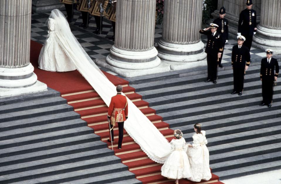 Princess Diana\'s Wedding Dress Designer On Her Advice For Meghan\'s ...
