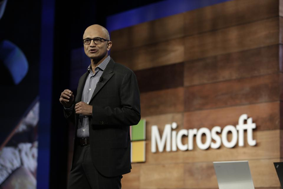 Amazon's Last Chance: If It Doesn't Catch #1 Microsoft In The Cloud In Q1, It Never Will