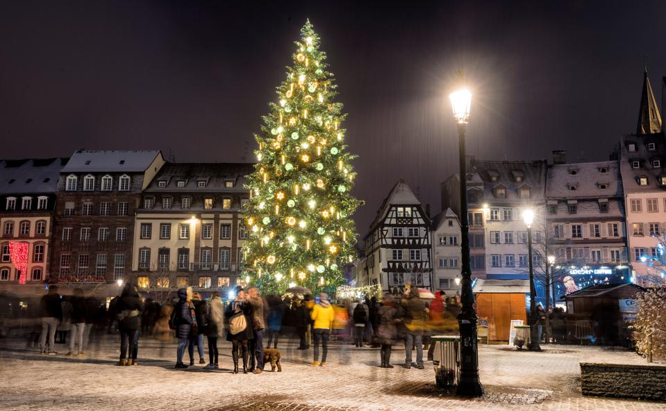 These 10 Beautiful European Cities Put On The Best Christmas Markets