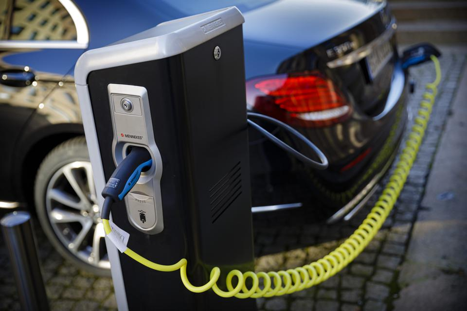 Energy Will Decarbonize, Deloitte Says, Even If Transport Lags