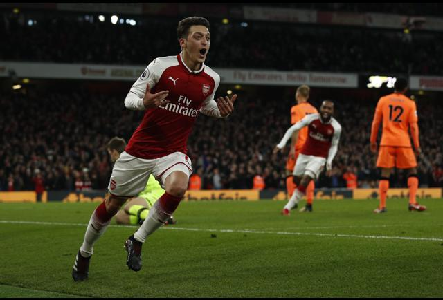 Arsenal And Liverpool Both Come Bearing Gifts As 6-Goal ...