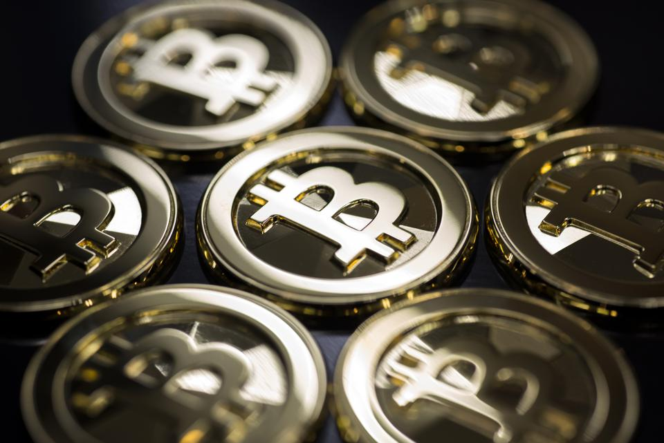 bitcoin price gold etf