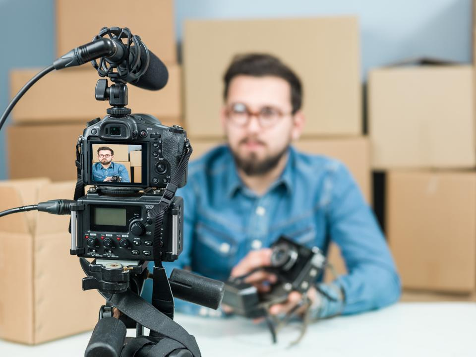 Six Ways To Gain More YouTube Subscribers This Year