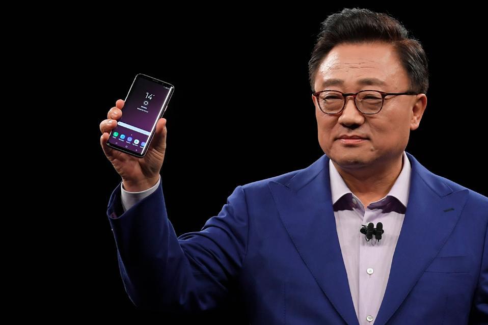 Galaxy S10 Leak Reveals Samsung's Revolutionary Design