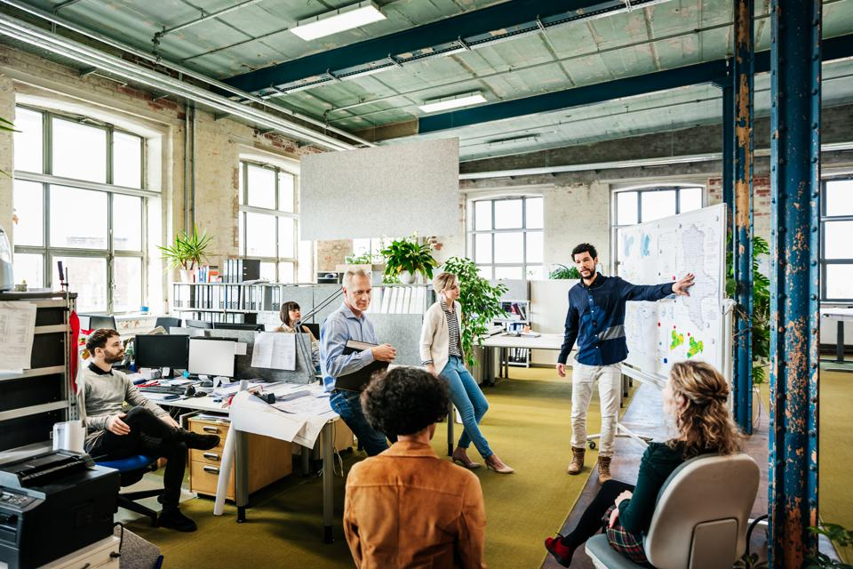 10 Easy Ways To Become A Great Leader And Gain The Respect Of Your Team
