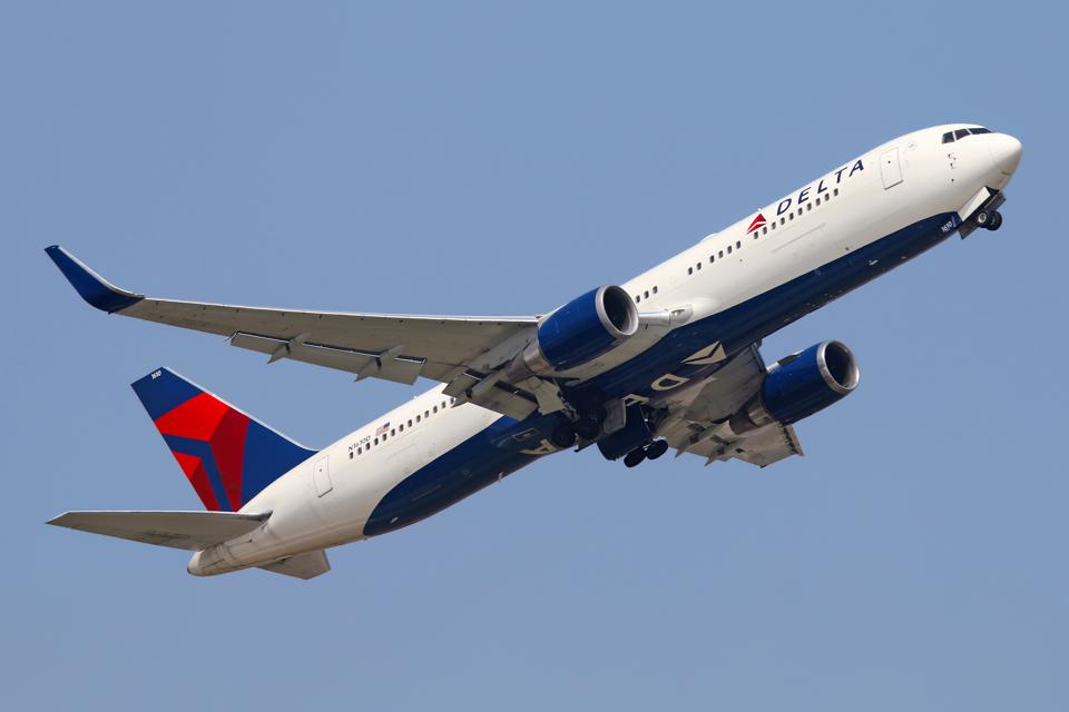 Delta Now Lets You Upgrade Seats with SkyMiles Online