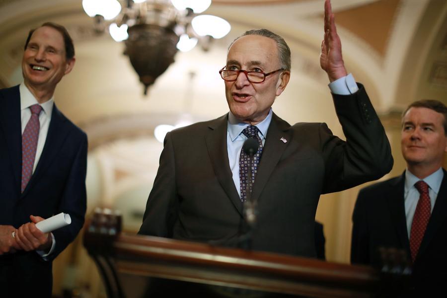Top Senate Democrat Pushes Bill To End Marijuana Prohibition
