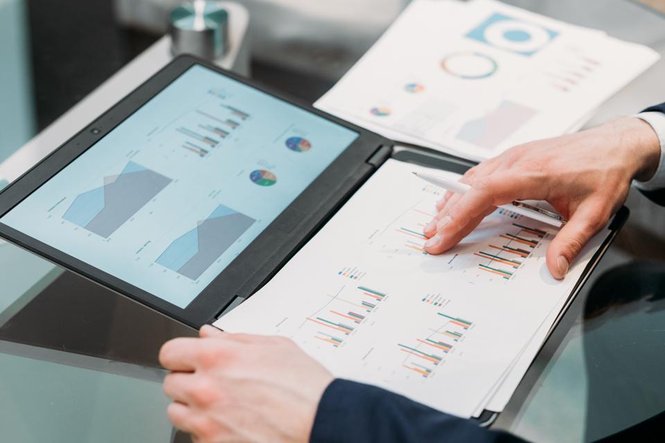 Digital Analytics Insight - Magazine cover