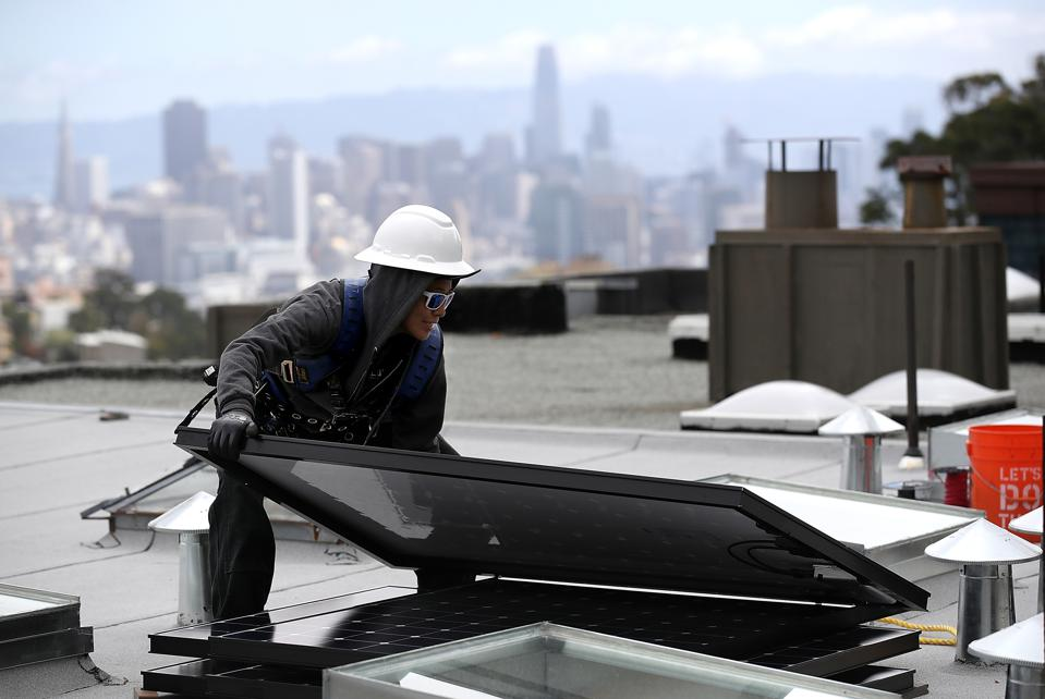 Solar Installers Should Bundle Panels With Heat Pumps, Study Says