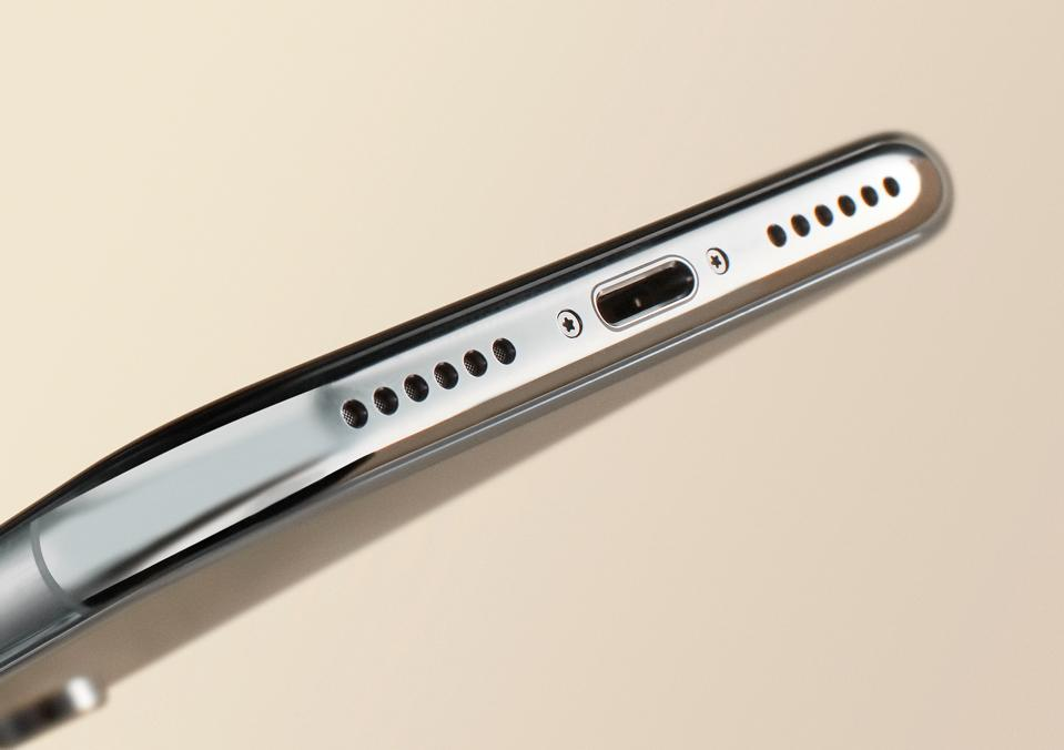 Apple Loop: New iPhone Design Confirmed, Goodbye Lightning Port, Apple Faces Awkward iPhone Problems