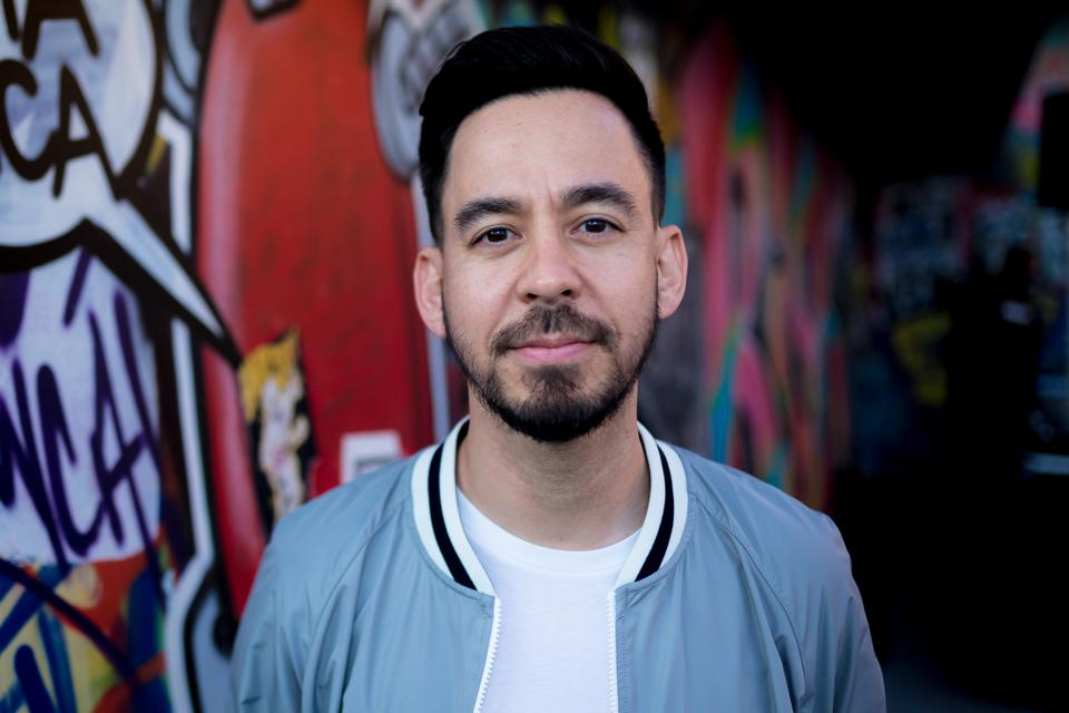 Alone On Stage, Mike Shinoda Communes With Still Grieving Fans
