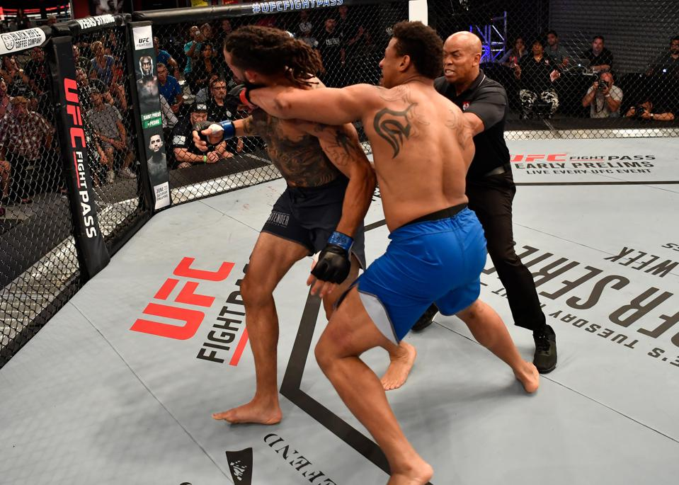 Dana Whites Contender Series Results And Highlights Greg Hardy And Alonzo Menifield Earn Contracts